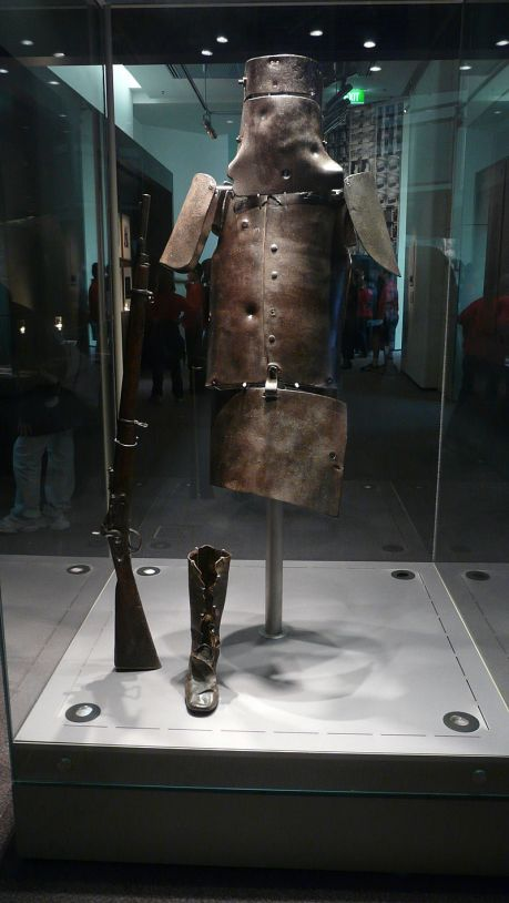 800px-Ned_kelly_armour_library